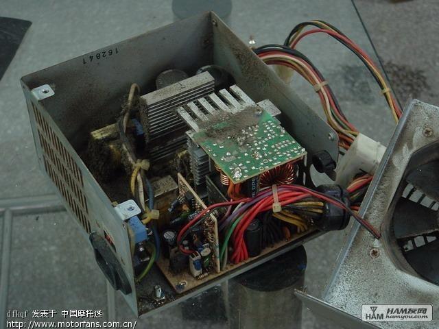 充电器    (桃园 2007-02-05 17:43 )   1,拆开atx电源,找到到tl494
