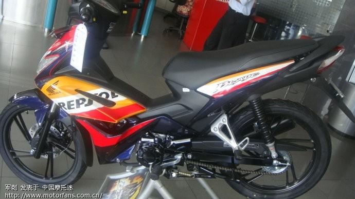 人在印尼看摩托车!