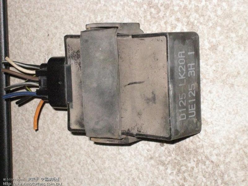求拆车ue125 3h 1点火器的接线图与内部结构