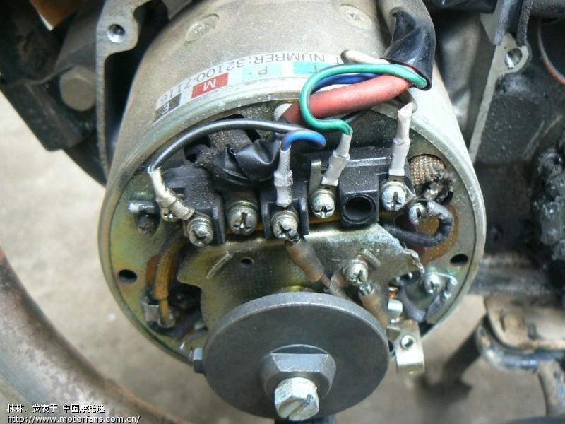直流发电机在当今摩托车设计中难以看见,作为早期独到的设计,给我们摩