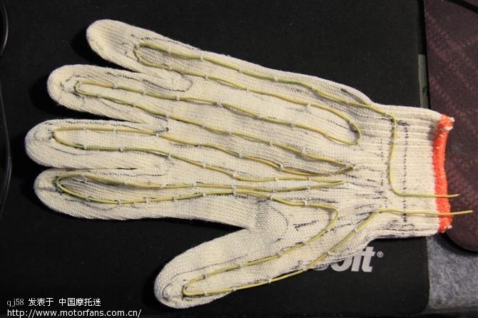 粗线织手套的步骤
