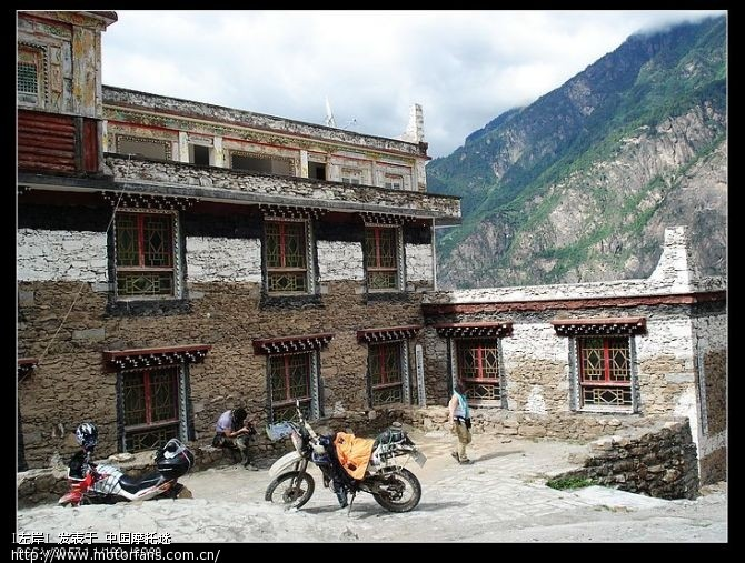 藏寨里面去就是这样的.jpg