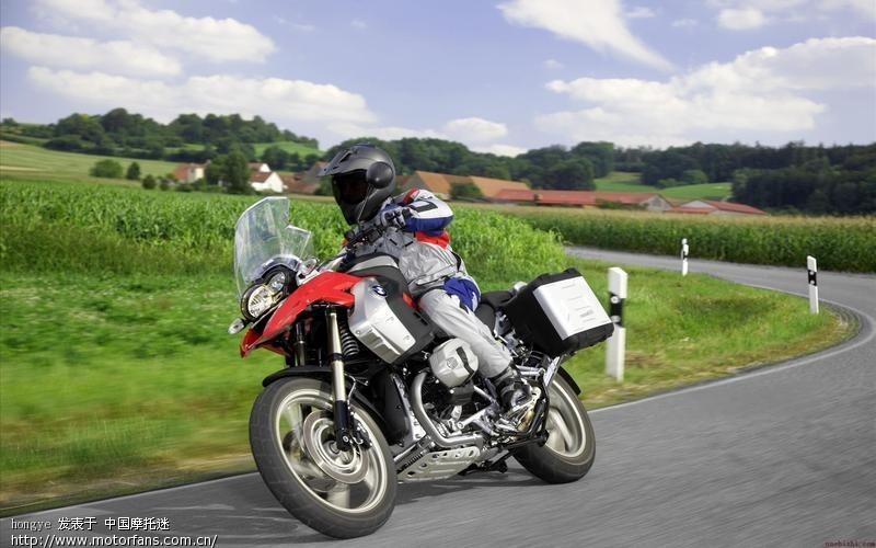 骑重型机车宝马1200穿越20几个国家 将摩旅进行到底图片