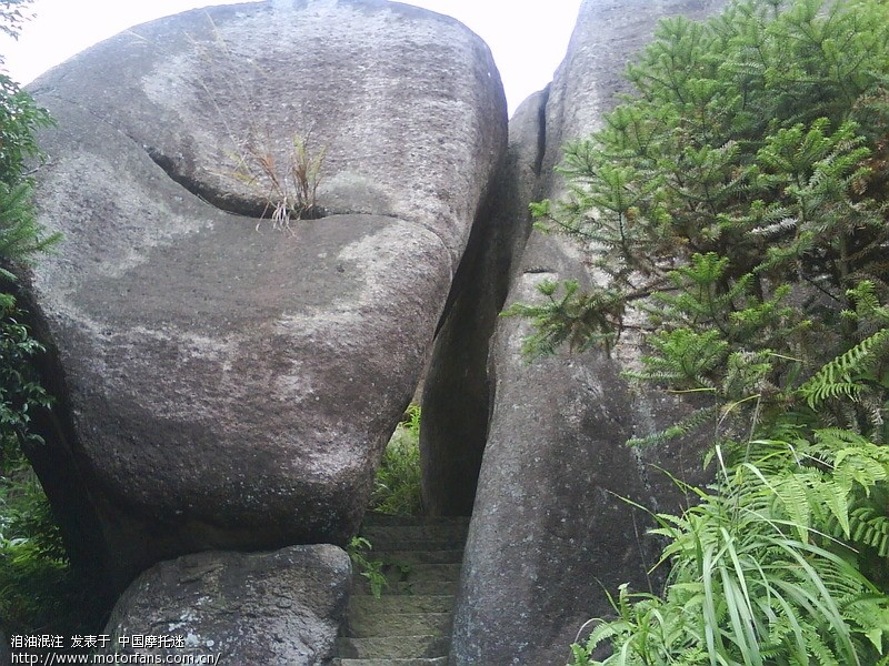 本人2011年9月19日福州马尾区牛项村风景区单人行