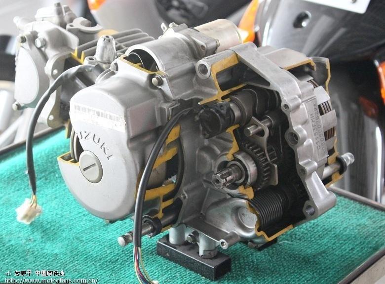 赛驰和天润用的同属铃木fd110发动机