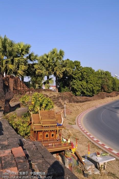 清迈古城墙的遗址.jpg