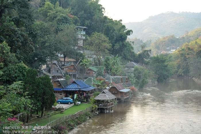 美赛酒店河对岸就是缅甸.jpg