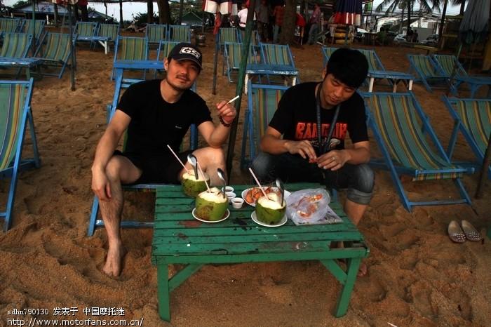 海边的小吃.jpg