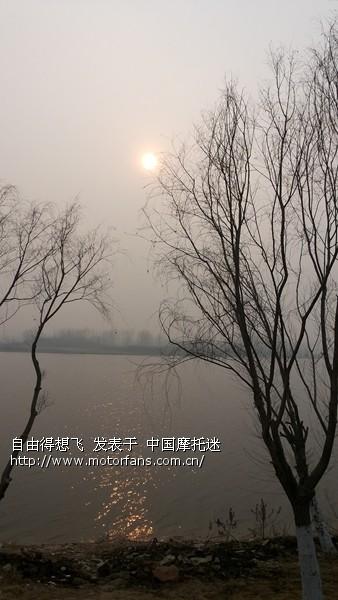 17沿途河边的风景.jpg
