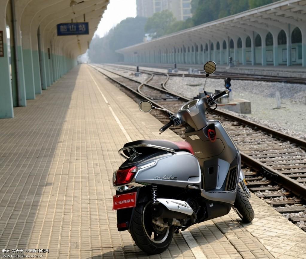 2018 新年购置光阳LIKE 150 踏板摩托车 09.jpg