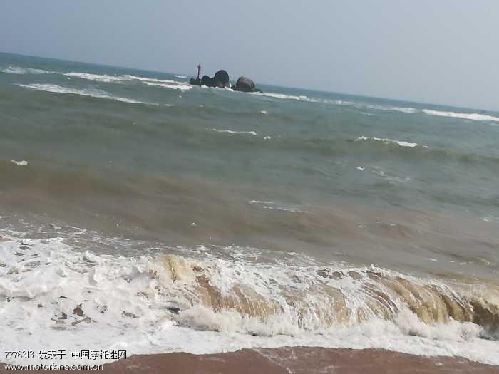 万泉河入海口另一侧的大海