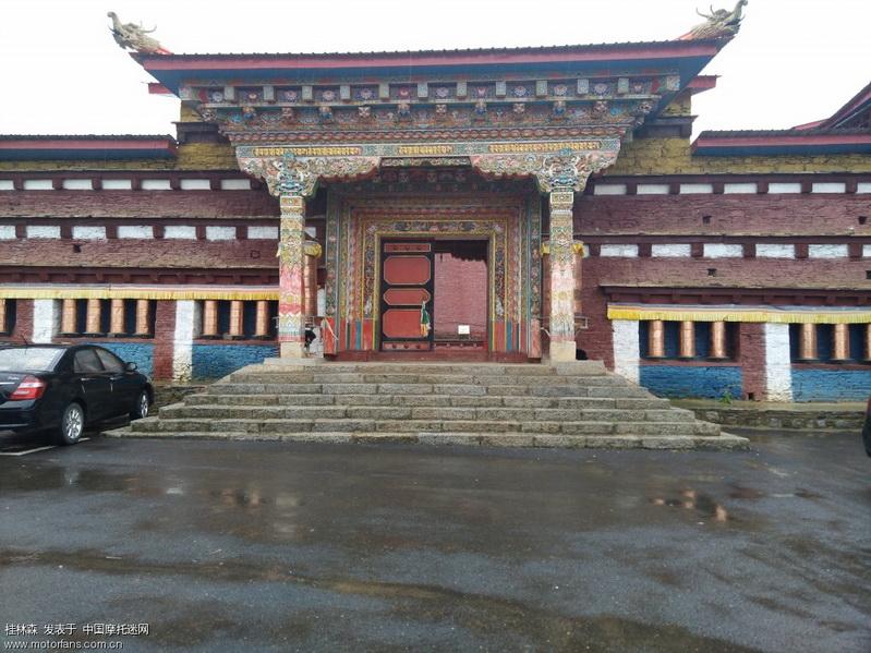 稻城 寺庙.jpg