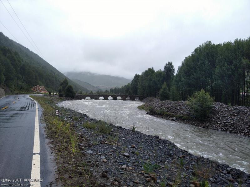 稻城 雨后的郊外2.jpg