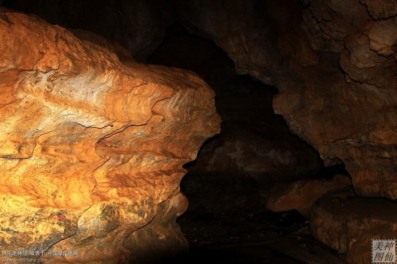 五龙洞溶洞内