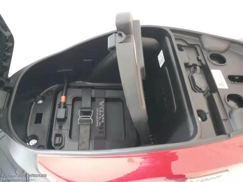 马桶电池.jpg