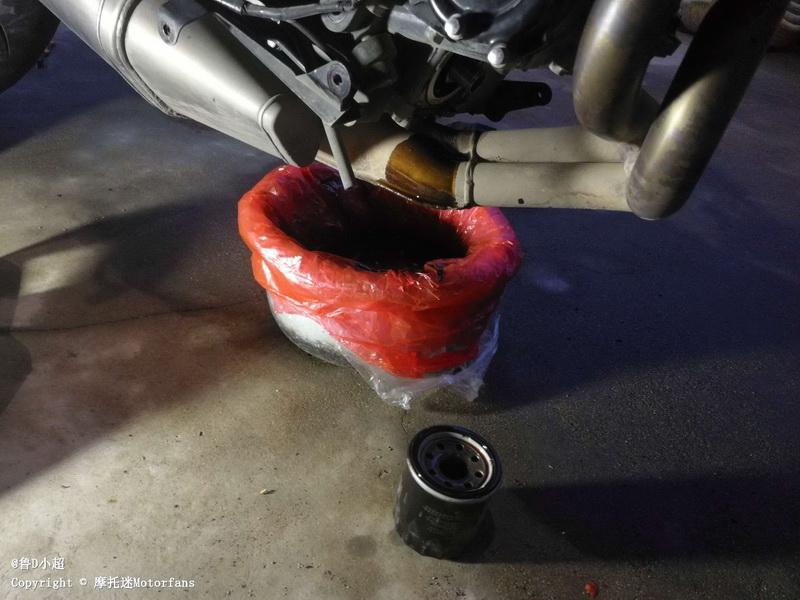 【保养】自己动手给摩托车换机油及换机滤(内置机滤)