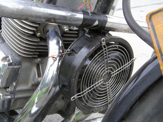 继电器,到水温95度时自动关闭发动机或报警(但我的车前方已经加装了