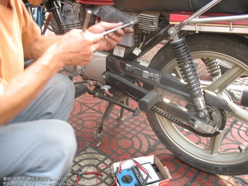 烧灯泡的摩托车