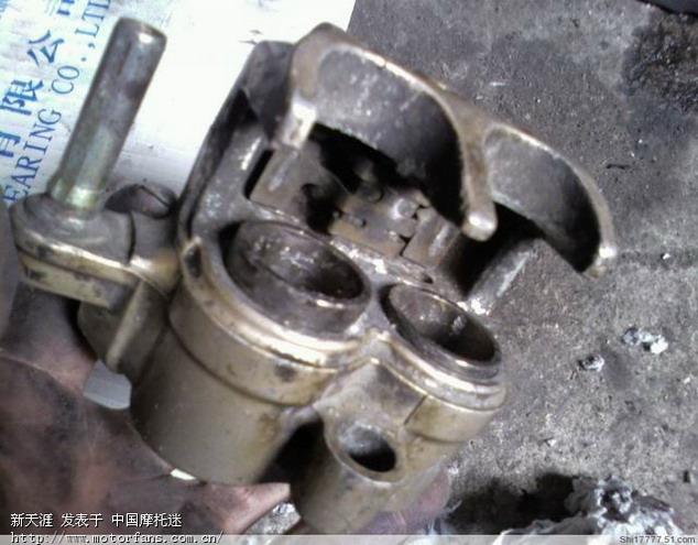 调整大小 21没办法,拿回厂里,因为拆放久了的缘故,个个泵活塞出奇的紧,根本取不出活塞。.jpg