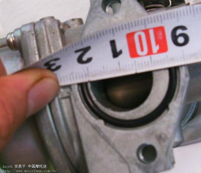 原装化油器出气口.jpg