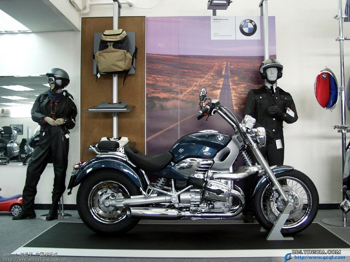 请教这两辆宝马摩托的型号高清图片