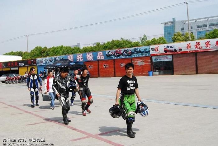 第1组入场02.JPG