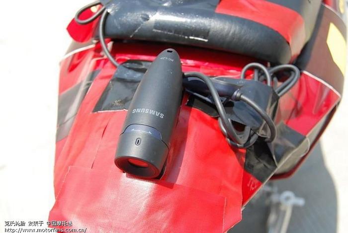教练车尾的摄像机01.JPG