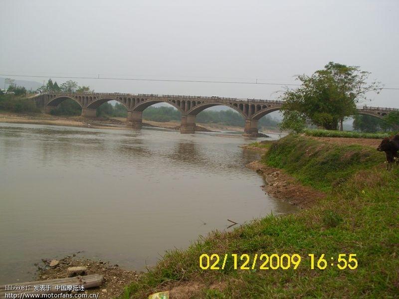 博白南流江大桥重建后,今日通车,变成 绿珠大桥图片
