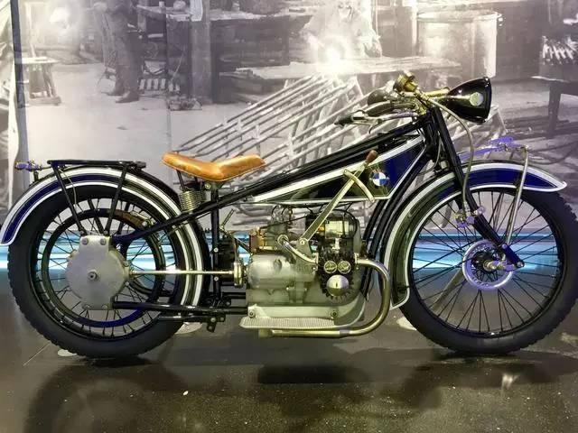 现场实拍:全球最珍贵的一部宝马摩托车(1923年R 32)