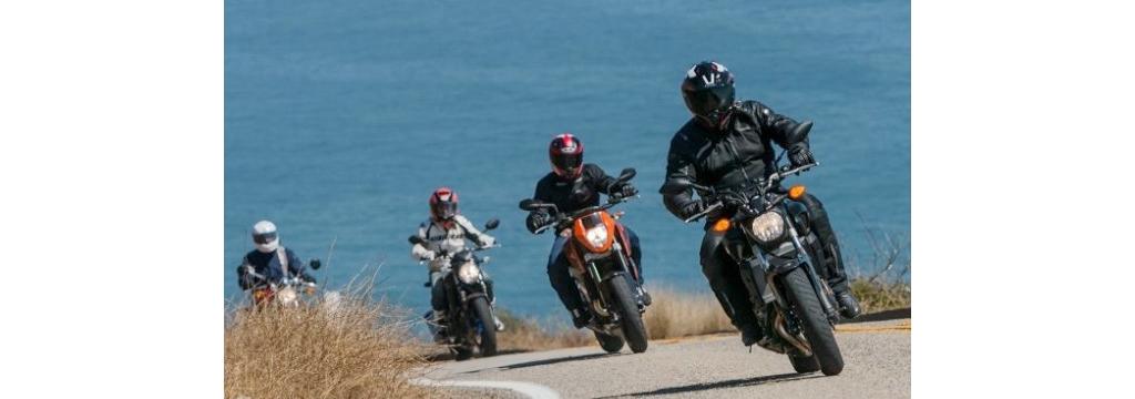 国外摩托车杂志四款600CC街车对比评测