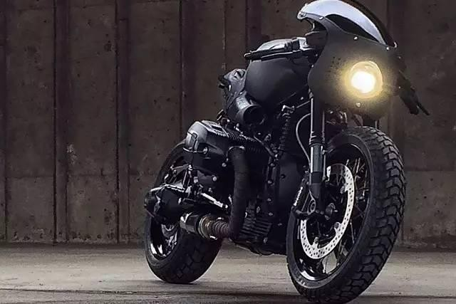 摩托车中的拳王:Shadow Boxer