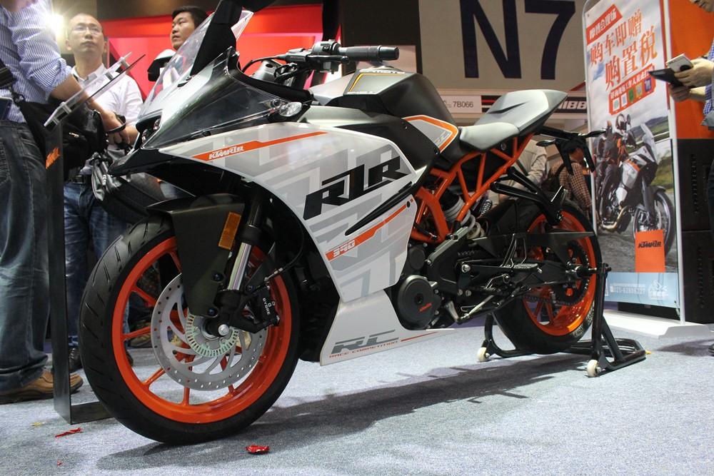 ���Լ����� KTM 1290 SPUER DUKE GT����