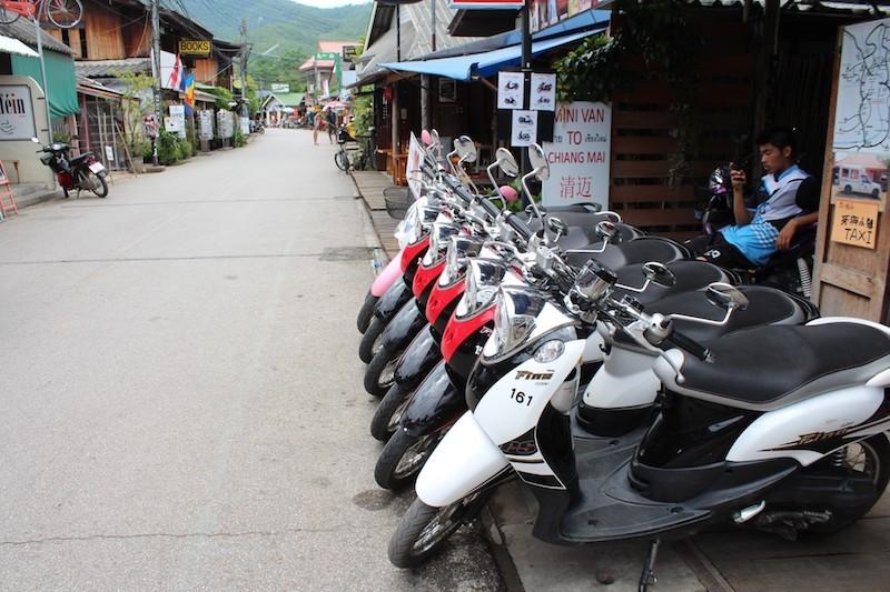 泰国虽好玩 租摩托骑行需小心