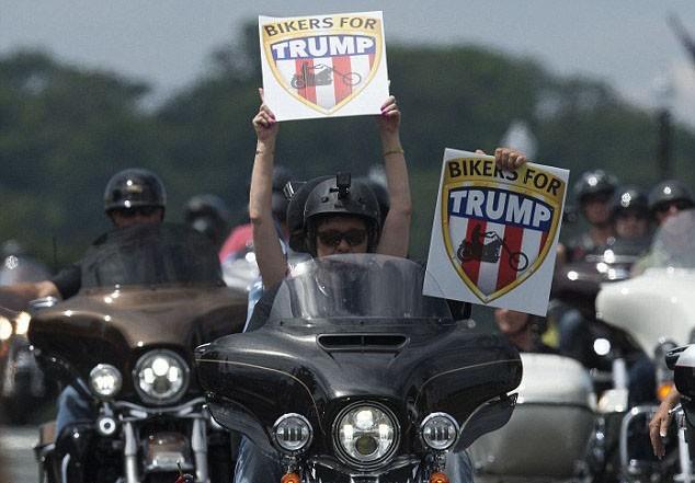为特朗普就职 5000多名摩托车手将于典礼上