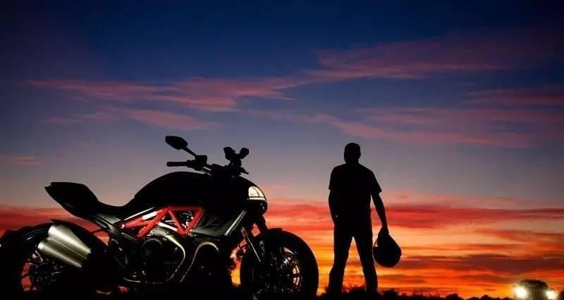 你真的知道骑摩托车旅行是什么样子的吗