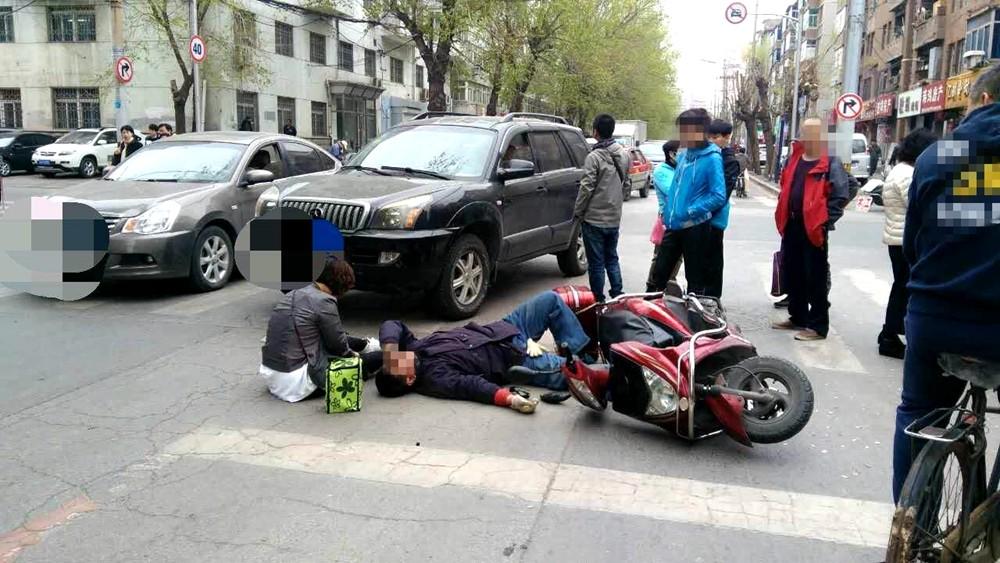 以防万一 摩托车驾乘人员骨折急救法