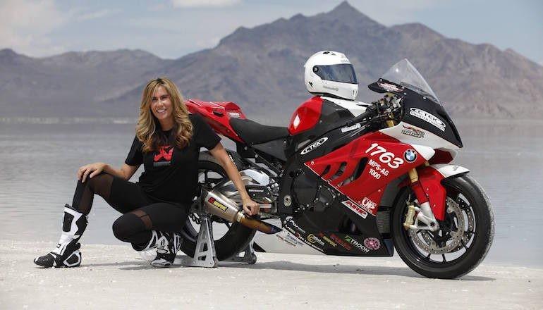超过400km/h 世界上骑摩托车最快的女子