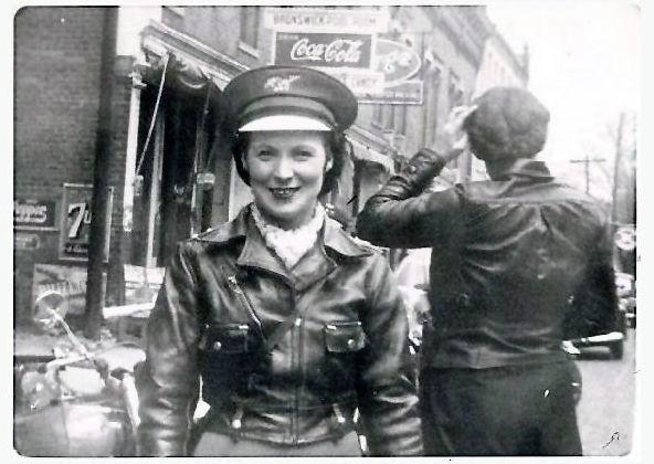 """一生奉献给摩托车事业 被誉为""""摩托第一夫人""""的女人"""