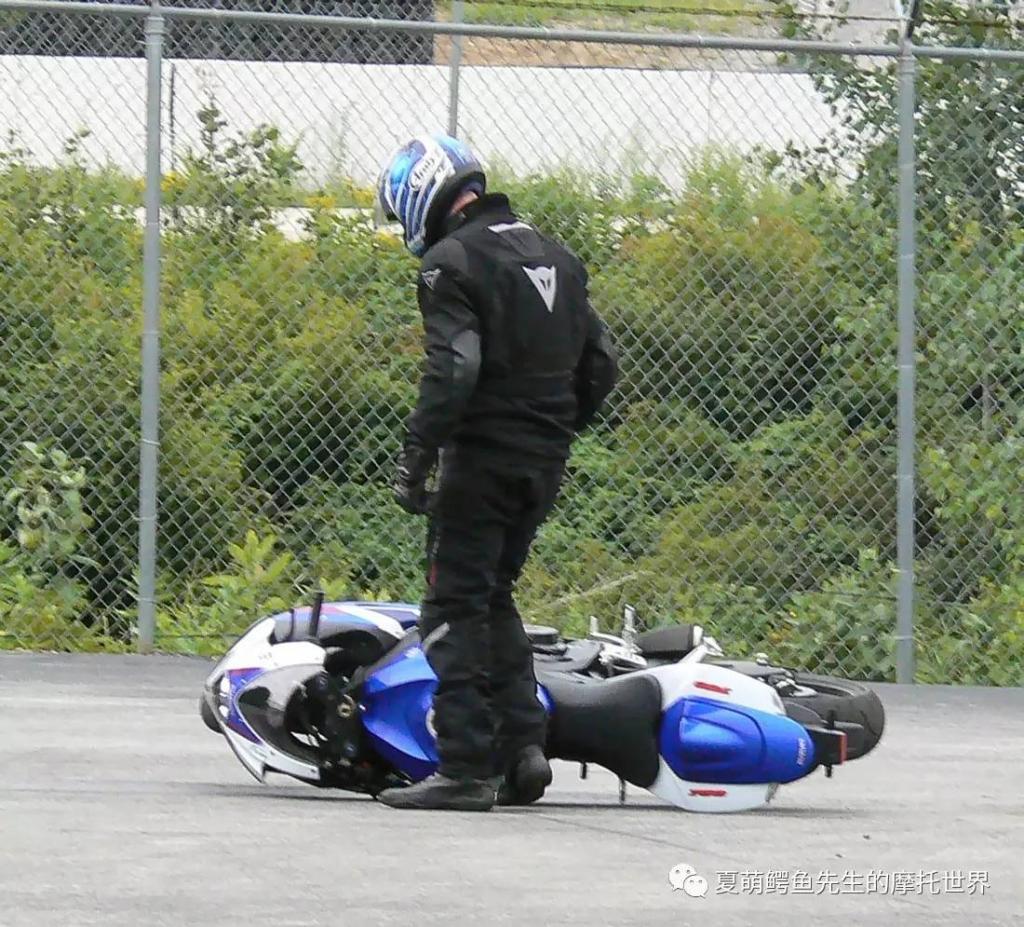 摩托车的防摔改装件如何选择?
