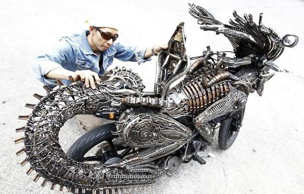 自古改装出大神:手工异形摩托车