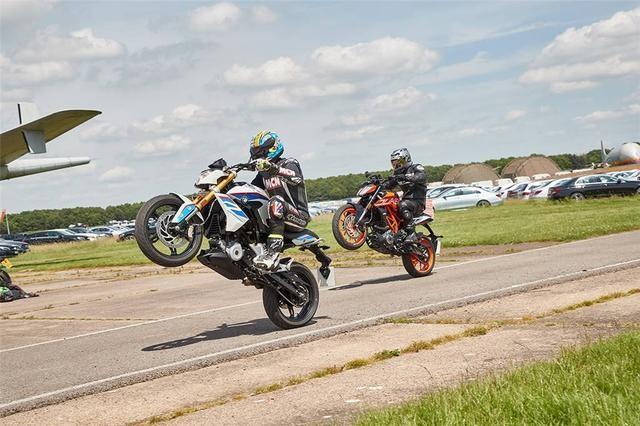 摩托车爱好者最期待的两款欧洲小街车对比测评