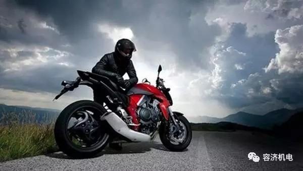 摩托车骑行遇险处理措施