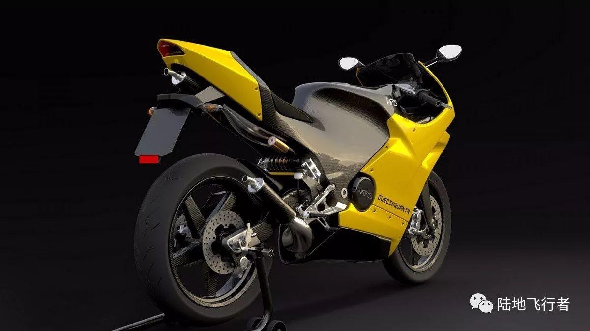 这是一辆250排量的二冲摩托 售价要30万