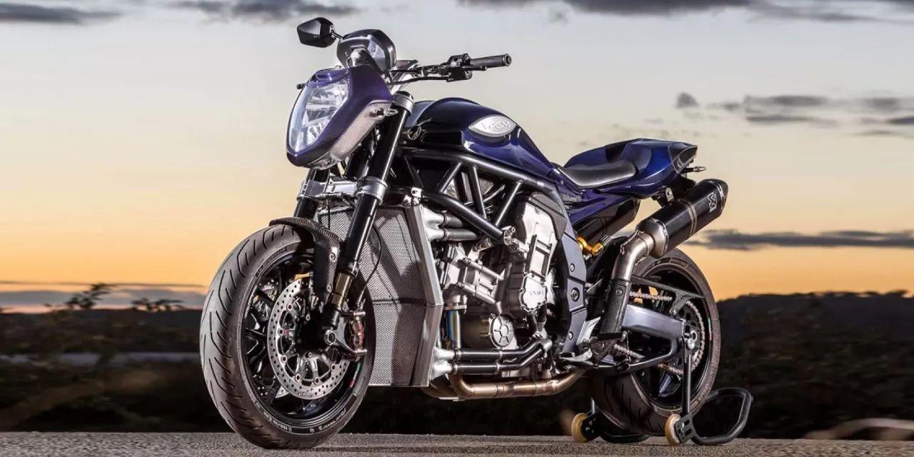 V8引擎怒吼——PGM(怕个毛) V8八缸摩托车