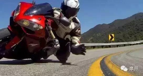 技巧篇——摩托车跑山的技巧和注意事项