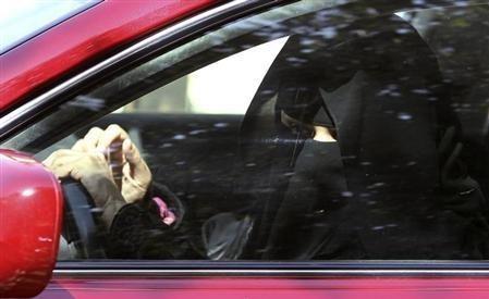 沙特继允许女性开小汽车后  卡车摩托车也解禁