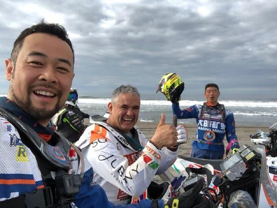 达喀尔拉力赛:中国车手遭遇事故被迫退赛