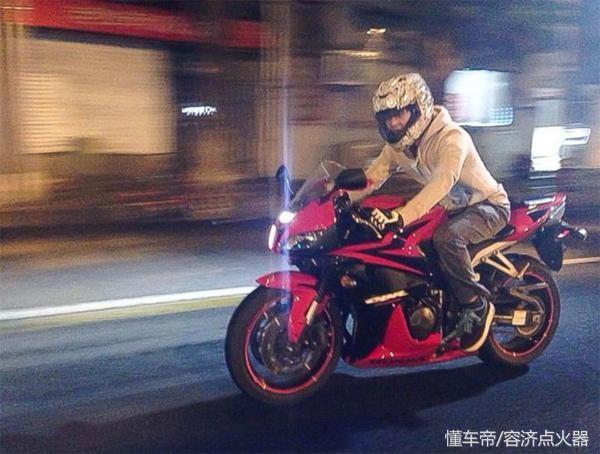 摩托车飙到150码 190码 270码是什么体验?
