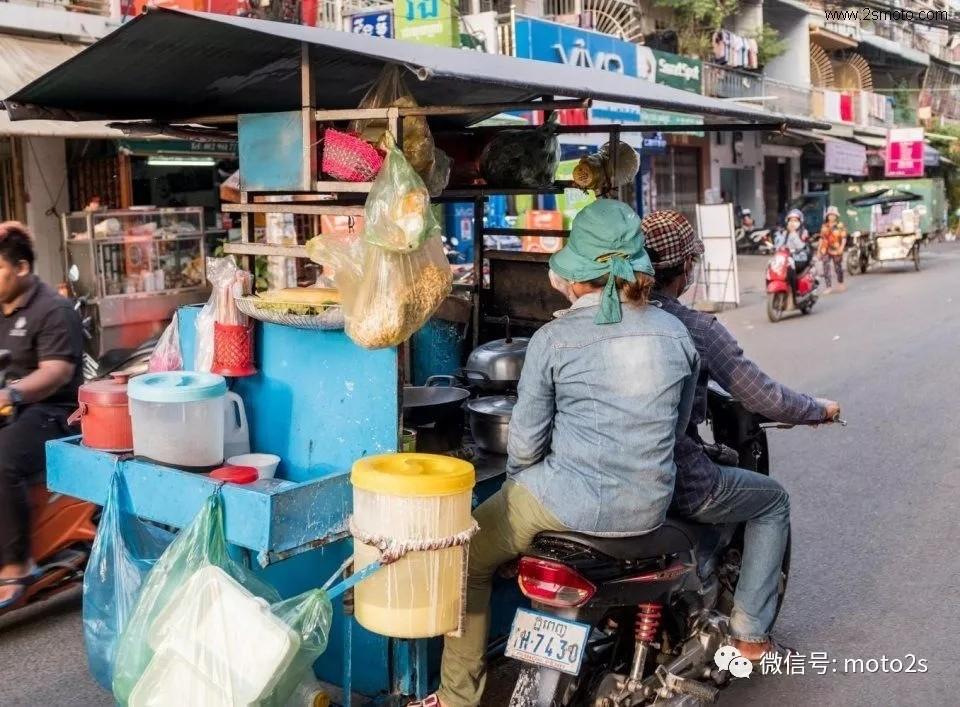 摩托车半挂,柬埔寨最主要交通工具,在中国敢上路马上被抓