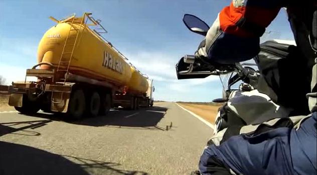 9500公里,妹子独自骑车横穿澳大利亚!